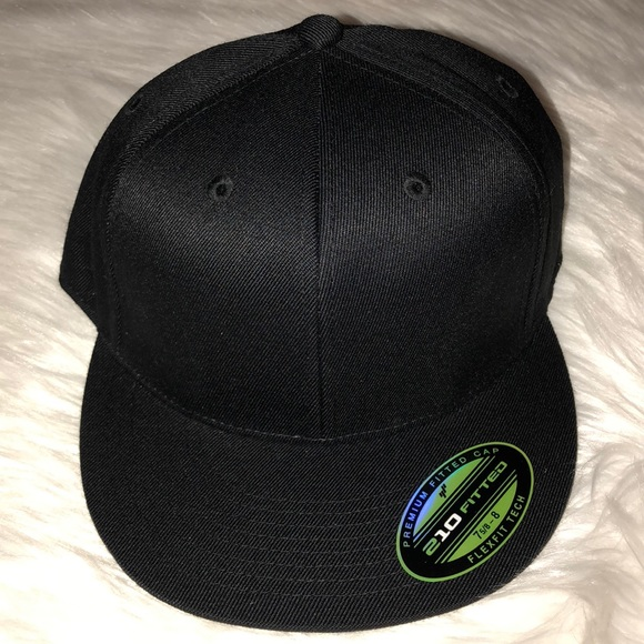 a1036820fd294b Accessories | Sale Mens Nwt Black Flexfit Tech Fitted Hat Cap | Poshmark